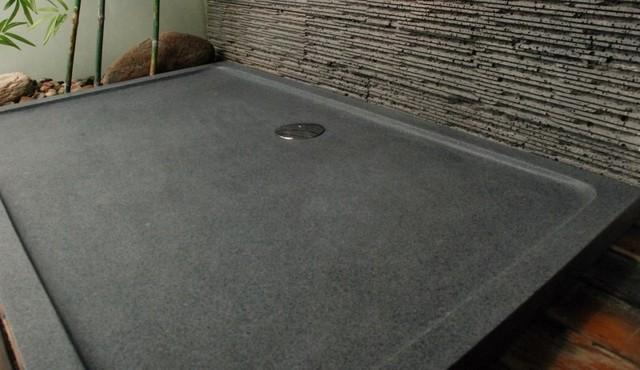 base de douche granite au sommet. Black Bedroom Furniture Sets. Home Design Ideas