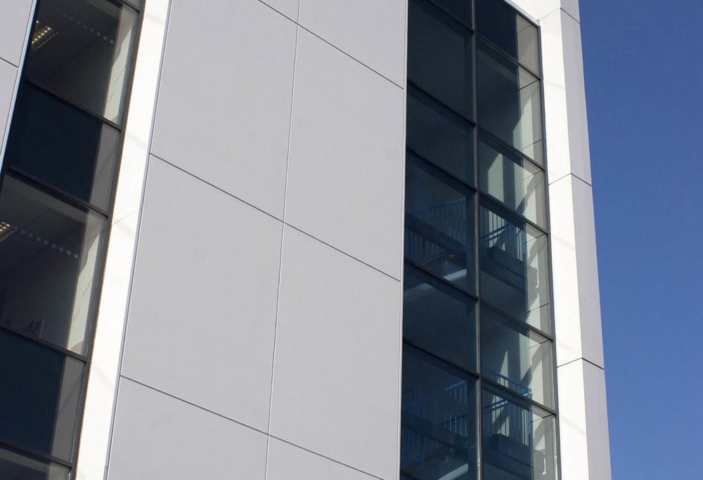 Dekton facade ventilee immeuble montreal