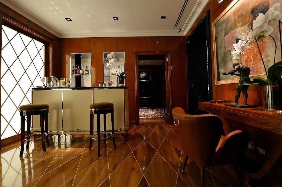 Tods-Sartorial-Floor-Bar-Milan-store-22-Via-Spiga.jpg