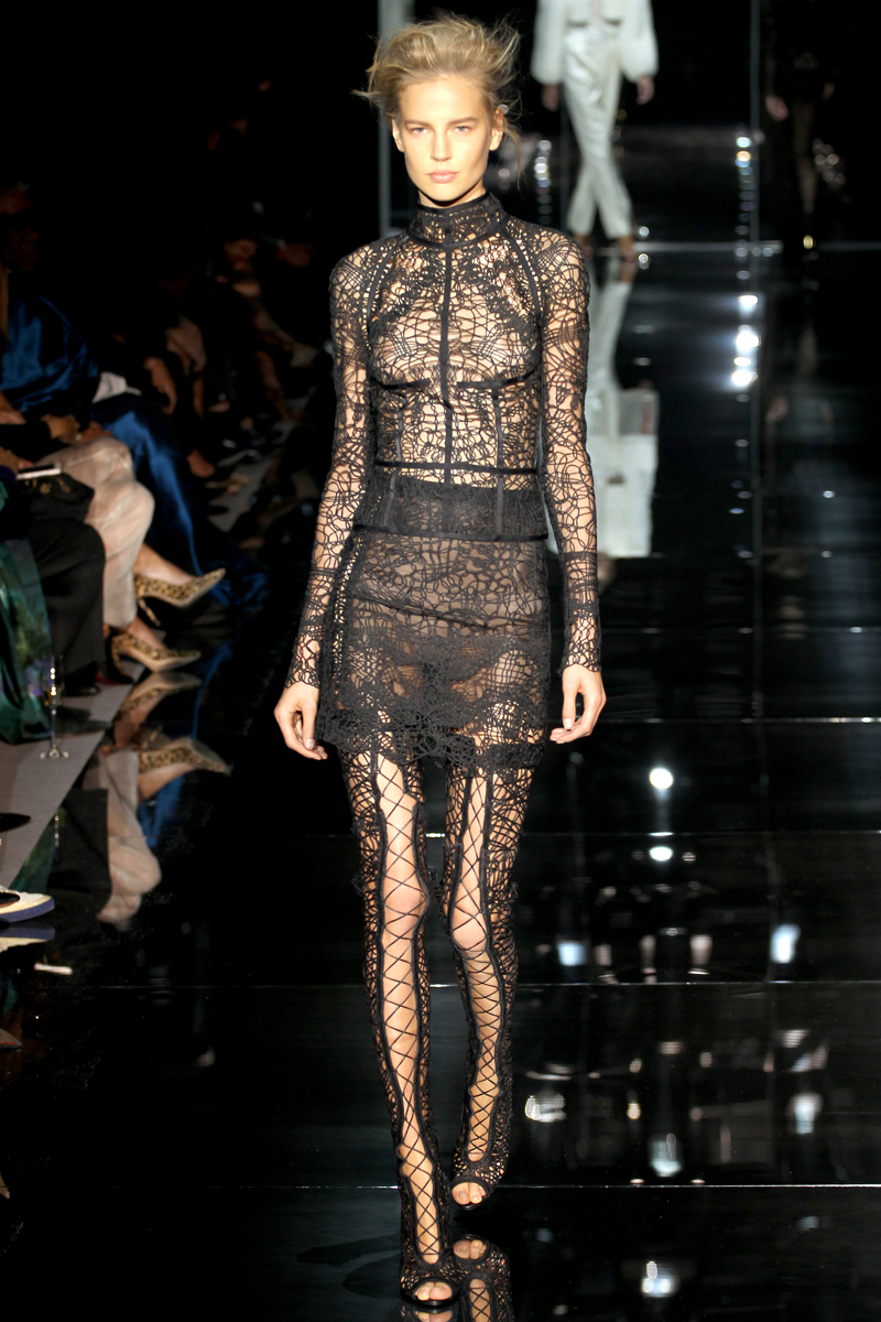 tom-ford-rtw-ss2014-runway-31_205229338553.jpg