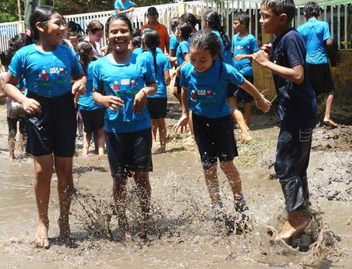 splashing kids.jpg