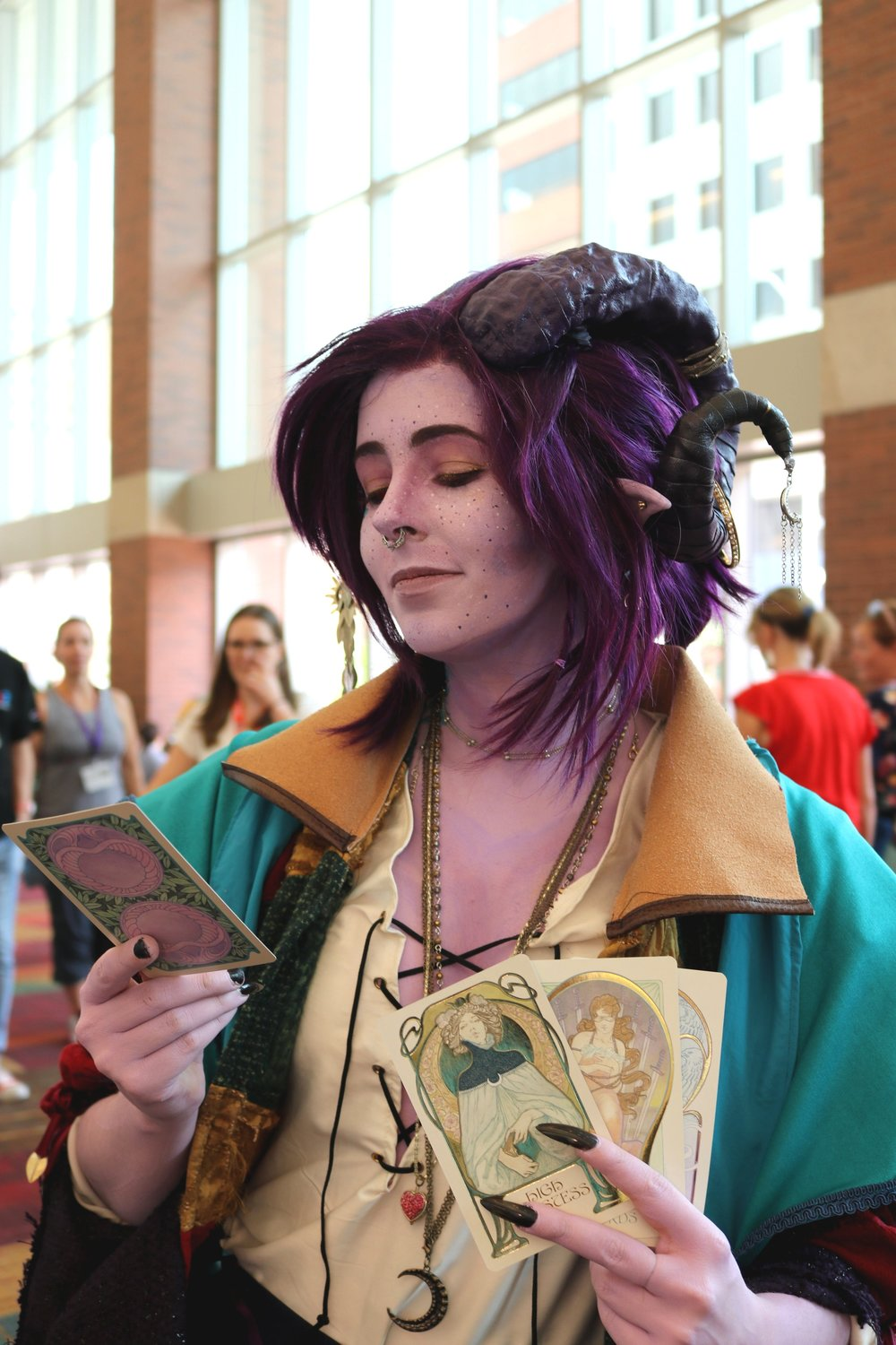 Caketastrophe Cosplay as Mollymauk from Critical Role