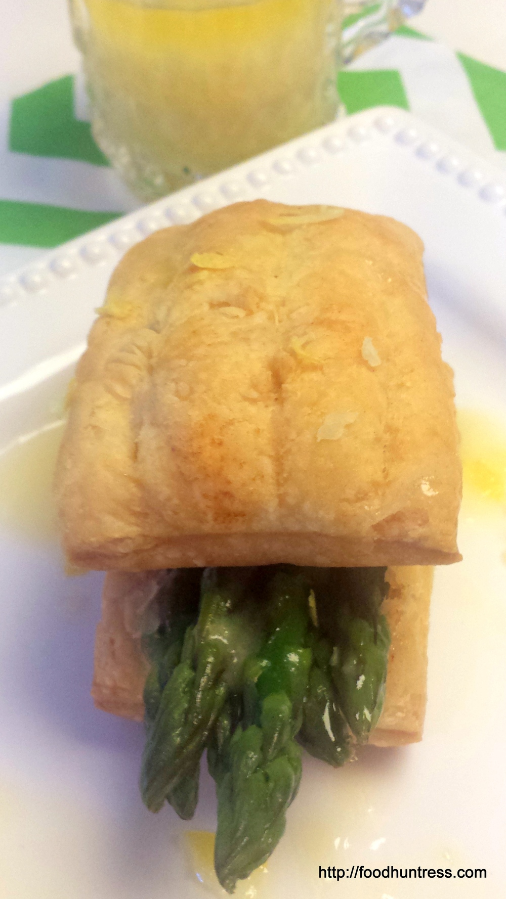 Asparagus+Tips+in+Puff+Pastry+with+Lemon+Butter+Sauce Asparagus Tips in Puff Pastry with Lemon Butter