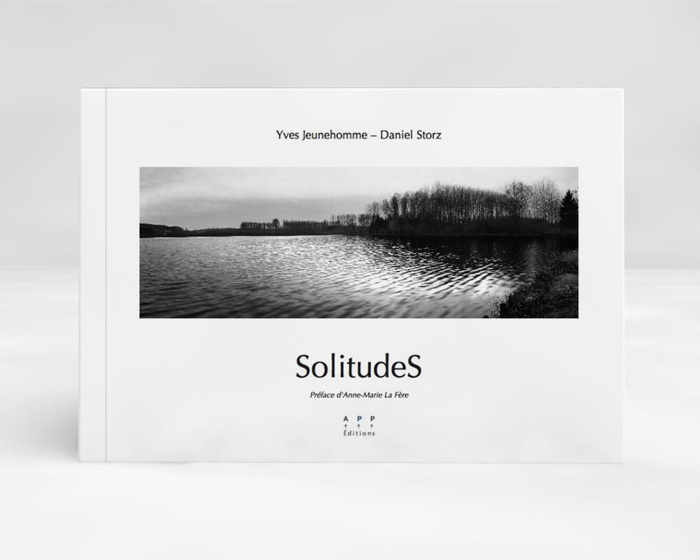 Caractéristiques techniques: Couverture cartonnée 52 pages Papier bouffant 250 g et calque Curious Transluscent Clear 140 g Format: 21 x 29,7cm