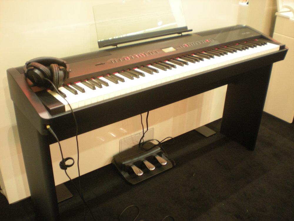 Roland_FP-80_piano_numerique.JPG