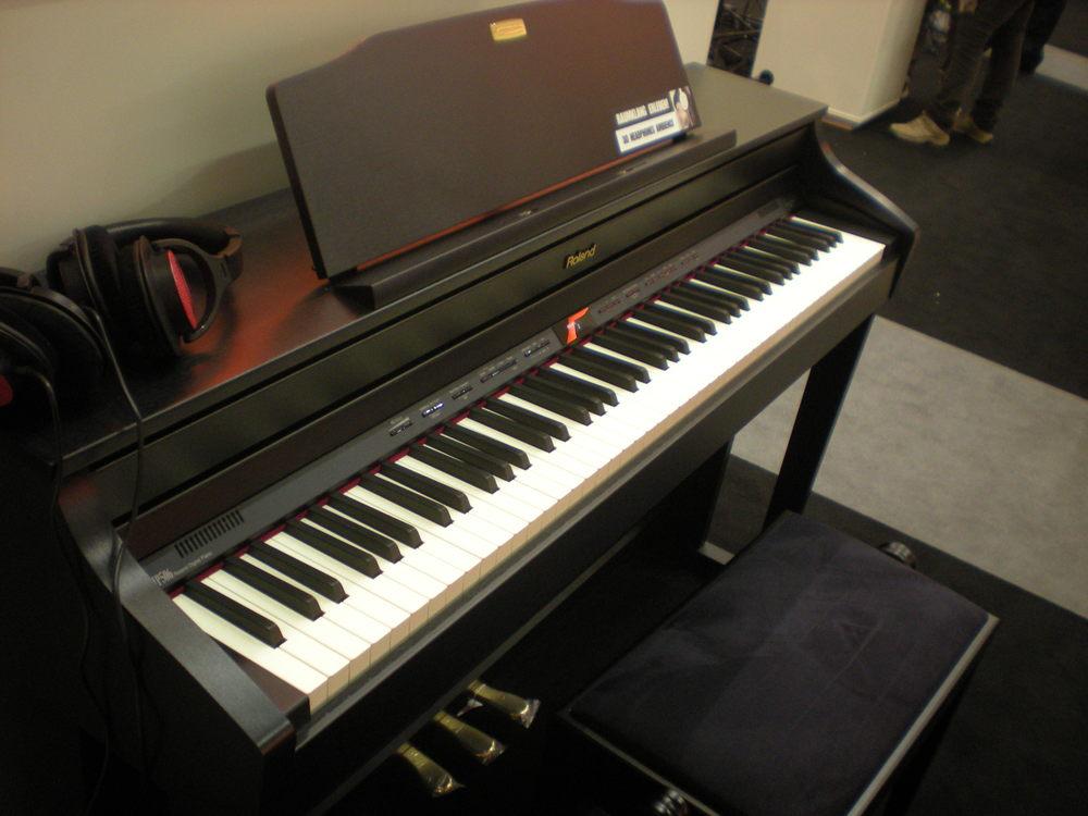 Roland_HP506_piano_numerique_2.JPG