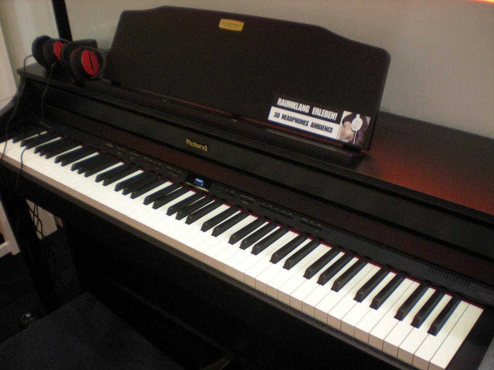 Roland_HP506_piano_numerique_1.JPG