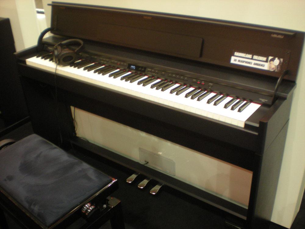 Roland_DP90e_piano_numerique_1.JPG