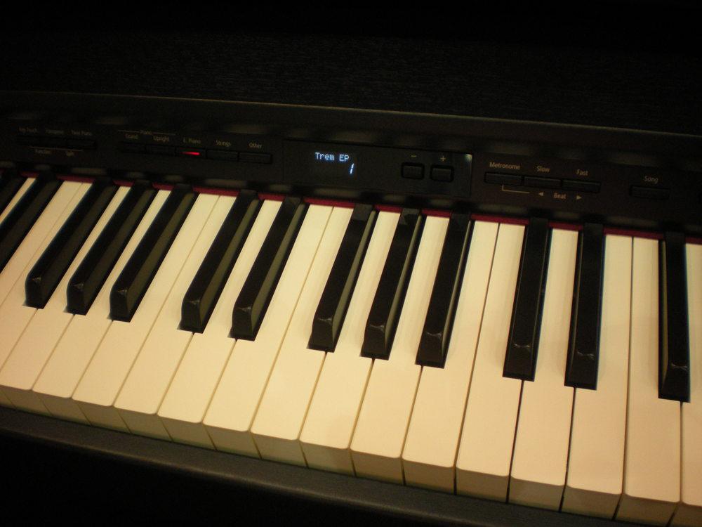 Roland_DP90e_piano_numerique_clavier.JPG