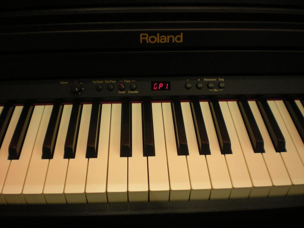 Roland_RP301_piano_numerique_clavier_2.JPG