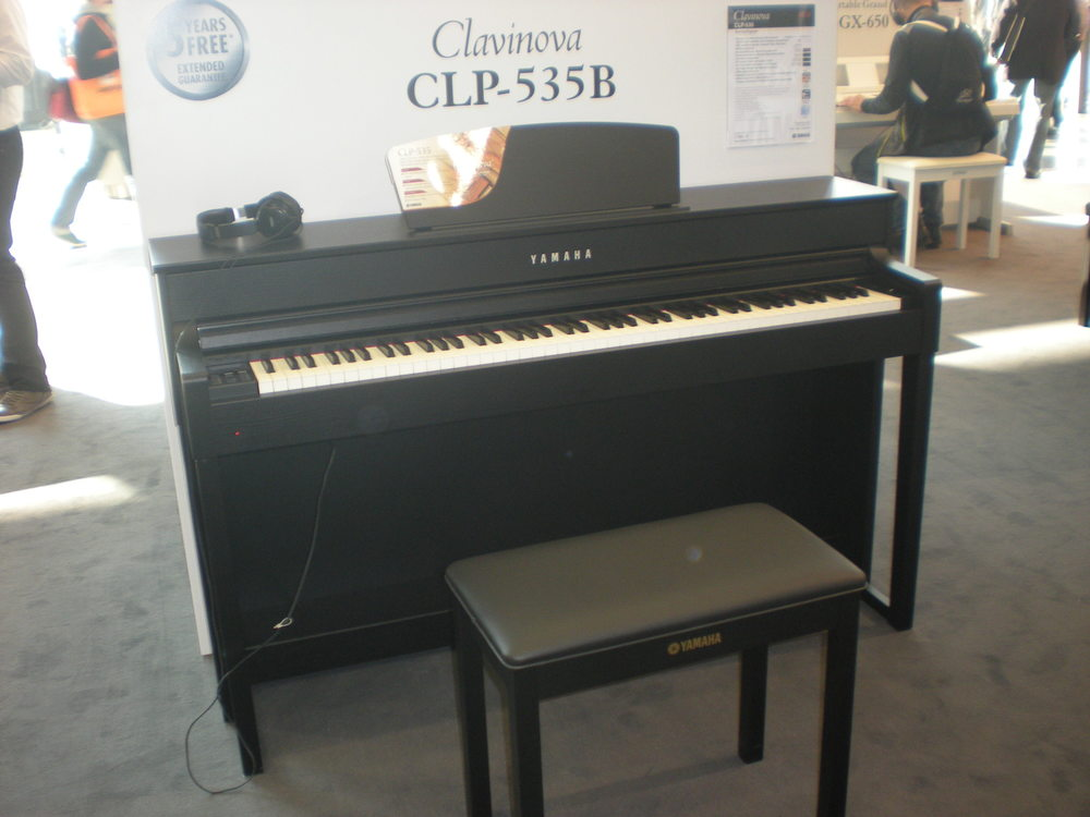 yamaha comparatif des nouveaux pianos num riques mon avis sur les mod les pr sent s au salon. Black Bedroom Furniture Sets. Home Design Ideas