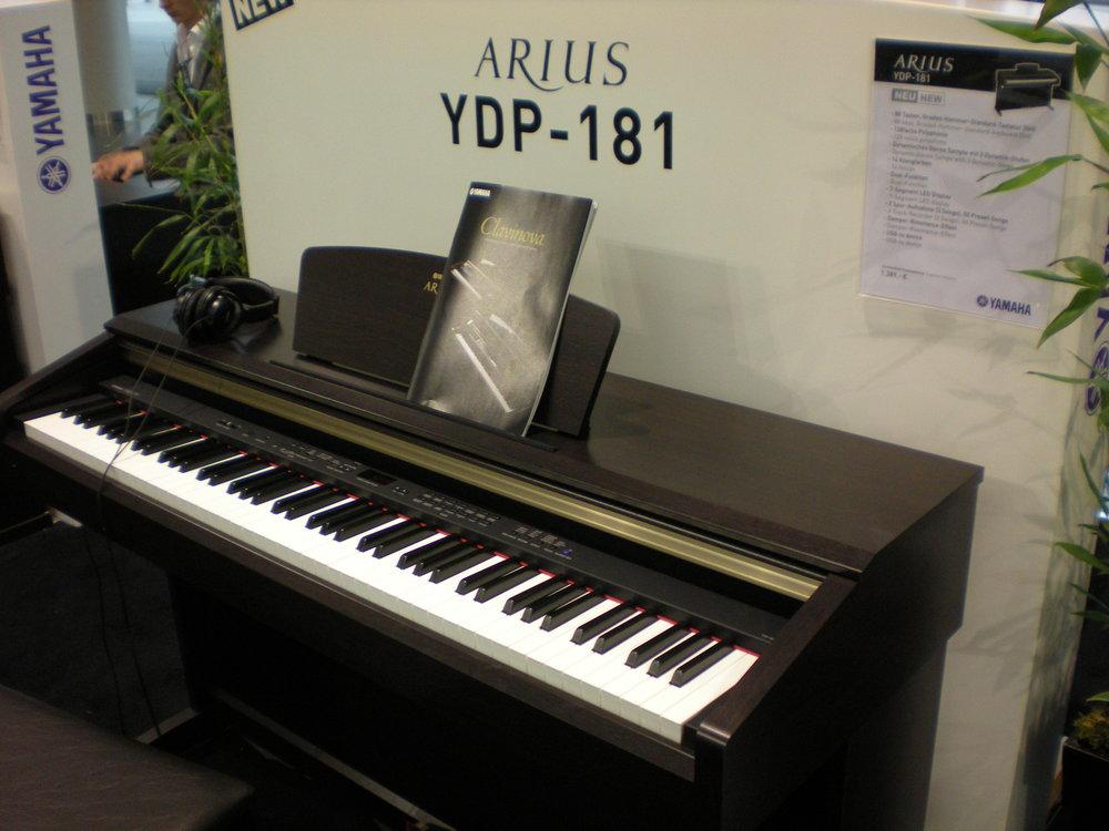 Yamaha Arius YDP-181