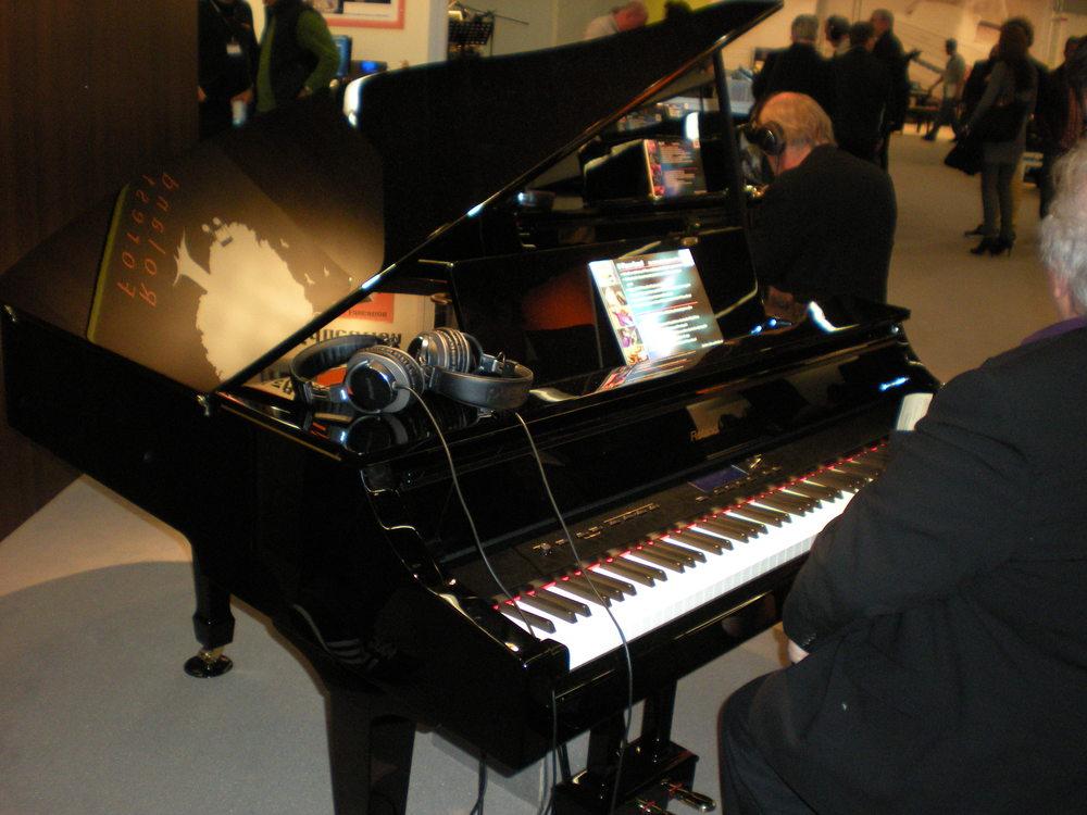 RolandV-Piano Grand