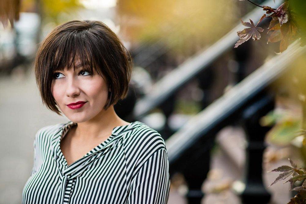 speaker author Pia Silva branded lifestyle portrait on stoop
