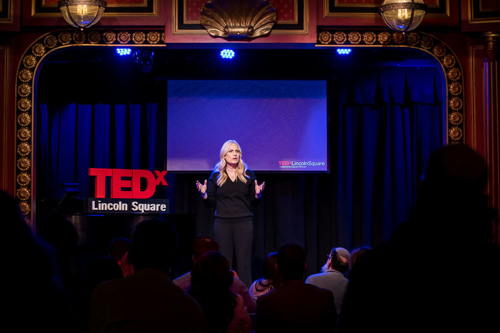 NYC branded lifestyle portrait TEDxLincolnSquare Lolly Daskal sharing info