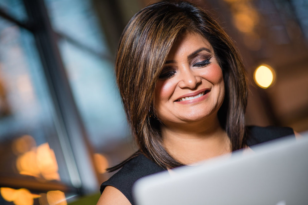 Branded Lifestyle Portrait Joya Dass reviewing images