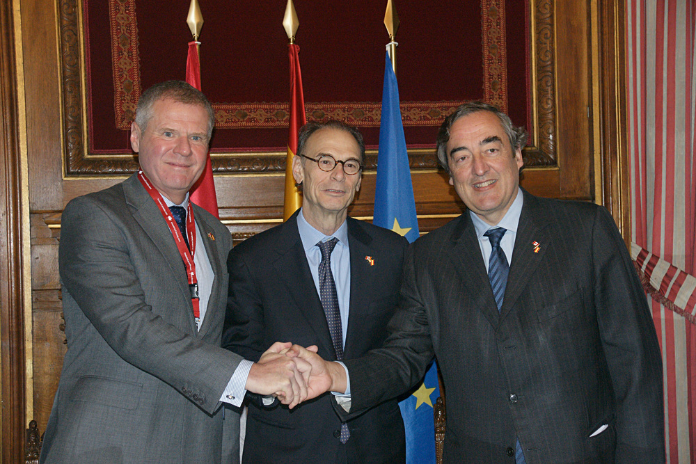 From left: Jayson Myers, CME; Jon Allen, Canadian Ambassdor in Spain; Juan Rosell Lastortras, CEOE