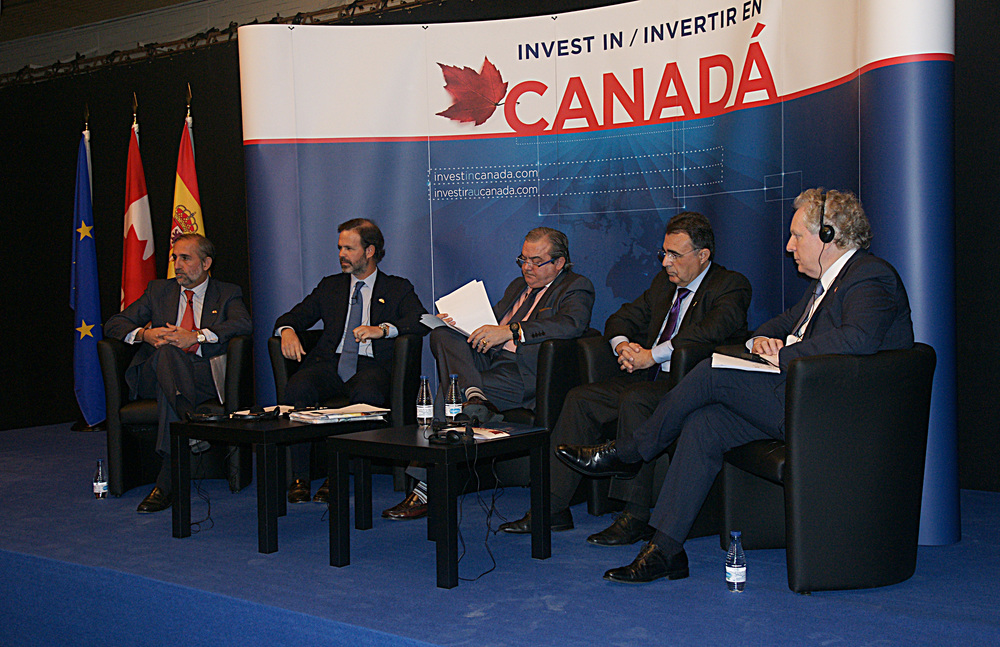 Jean Charest (far right), the former premier of Quebec, Canada, sat on the panel discussion with Spanish business giants Acciona, Almirall and Grupo Elecnor.