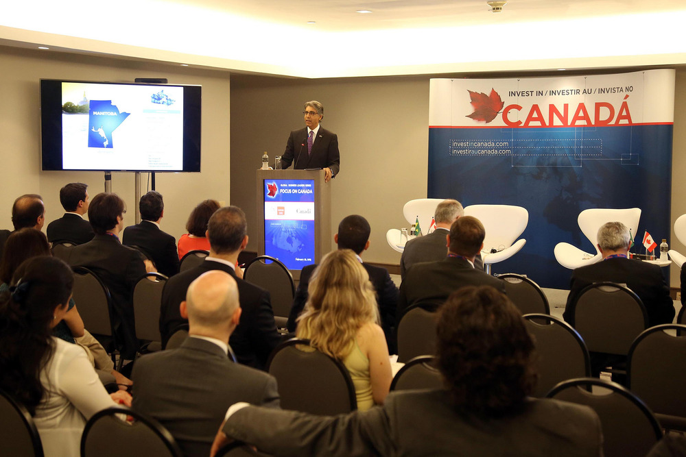 Canada's Ambassador to Brazil, Jamal Khokhar, welcomes Brazilian business executives to the São Paulo Invest in Canada seminar on February 26, 2015 (Photo credit: DFATD - Invest in Canada)
