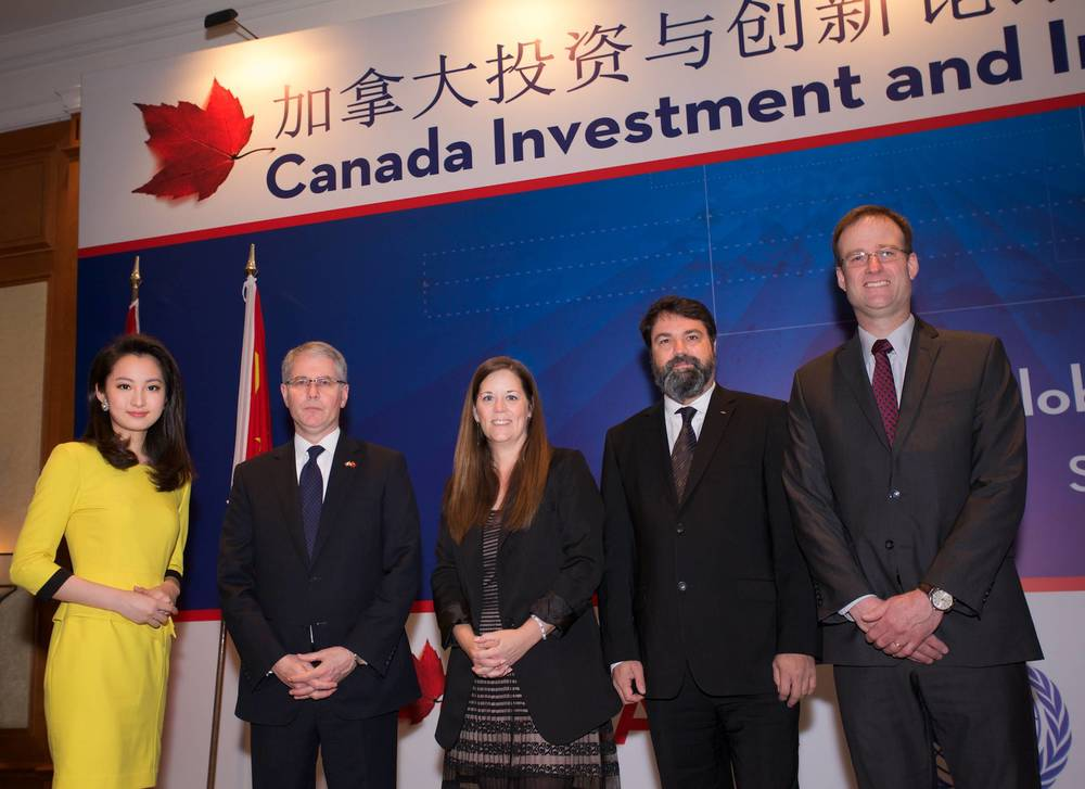 Champion speakers in Shanghai, with Yufei Jiang, Shanghai CBN TV News Presenter (far left) (Photo credit: DFATD - Invest in Canada)