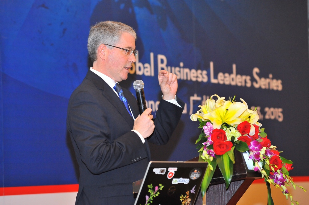 CRAIG WRIGHT, SNR VP AND CHIEF ECONOMIST WITH RBC, SPEAKING IN GUANGZHOU ABOUT CANADA-CHINA'S ECONOMIC RELATIONS (PHOTO CREDIT: DFATD - INVEST IN CANADA)