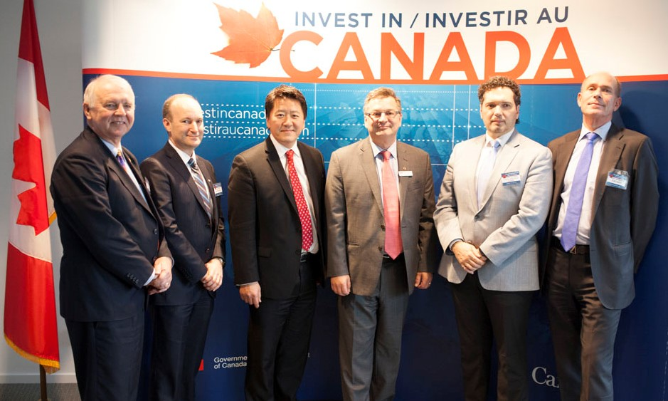 Kenneth Macartney (centre), Ambassador of Canada to Sweden with speakers in Stockholm. (Photo credit: Invest in Canada)