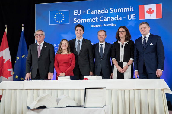 Prime Minister Trudeau and International Trade Minister Freeland at CETA signing in Brussels Photo credit: Adam Scottie/PMO
