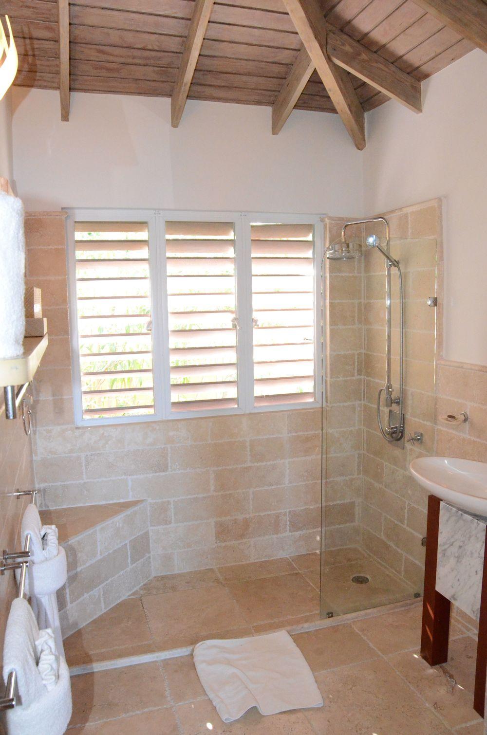 Bathroom of Avocado Cottage