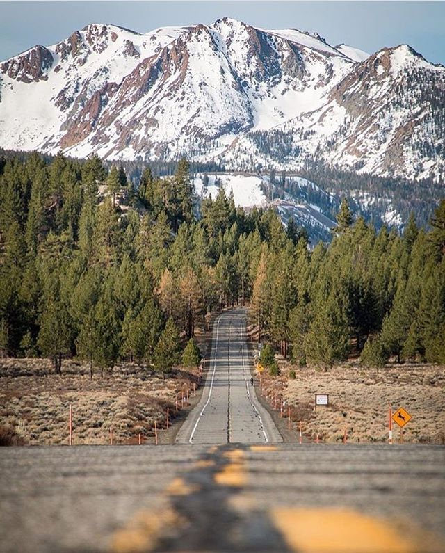 Need to plan a trip to the Eastern Sierra.  Photo by @monocountytourism #departedoutdoors