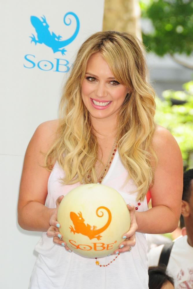 hilary-duff-sobe-try-everything4.jpg
