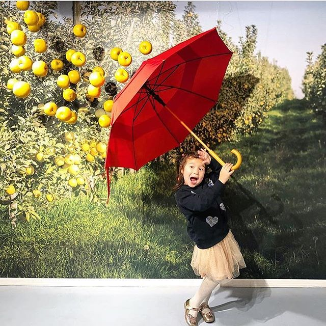 The pics coming out of the @opal_apple popup on Orchard Street in the lower east side of NYC are killing us with cuteness. 😍 Open for just one more day, tomorrow, Sunday, 10am-6pm! . . . . . . #eventproduction #experientialmarketing #deptzero #popupshop #brandactivation #eventmarketing #freenycevents #popupnyc #opalorchardnyc