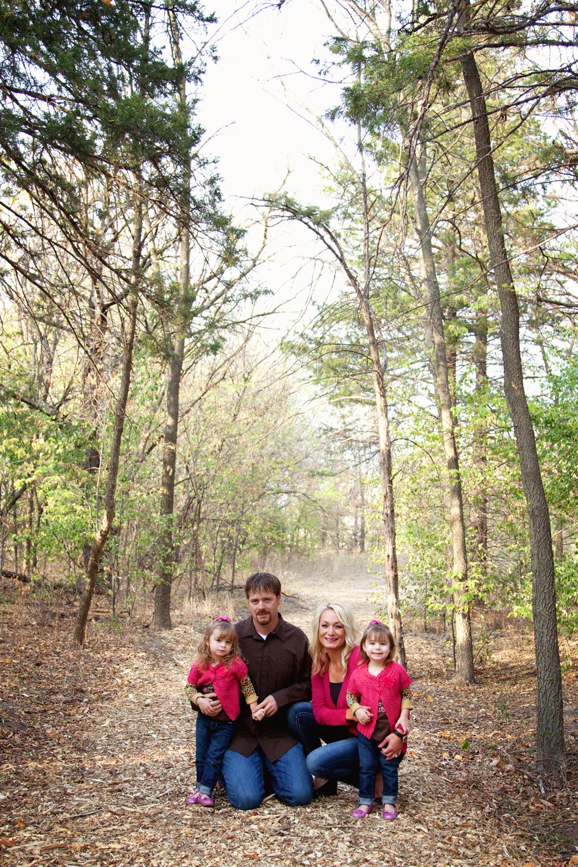 Russtanna_Photography_kearney_nebraska_natural_light_photographer_newborn_senior_family_engagement  (15).jpg