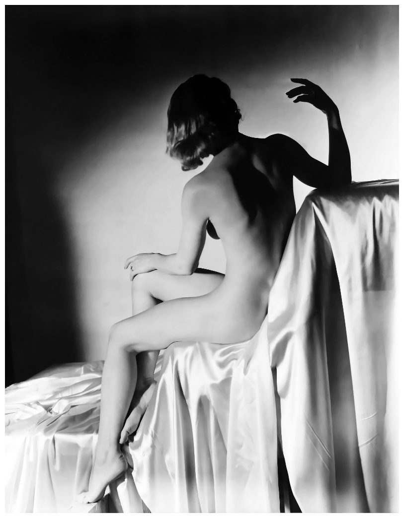 horst-p-horst-lisa-on-silk-new-york-1940-lisa-fonssagrives.jpg