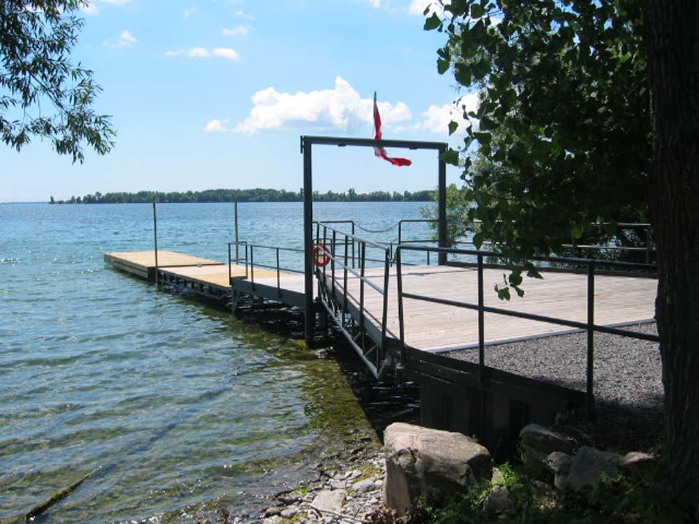 WEB_2005 Vineyard and dock 013.jpg