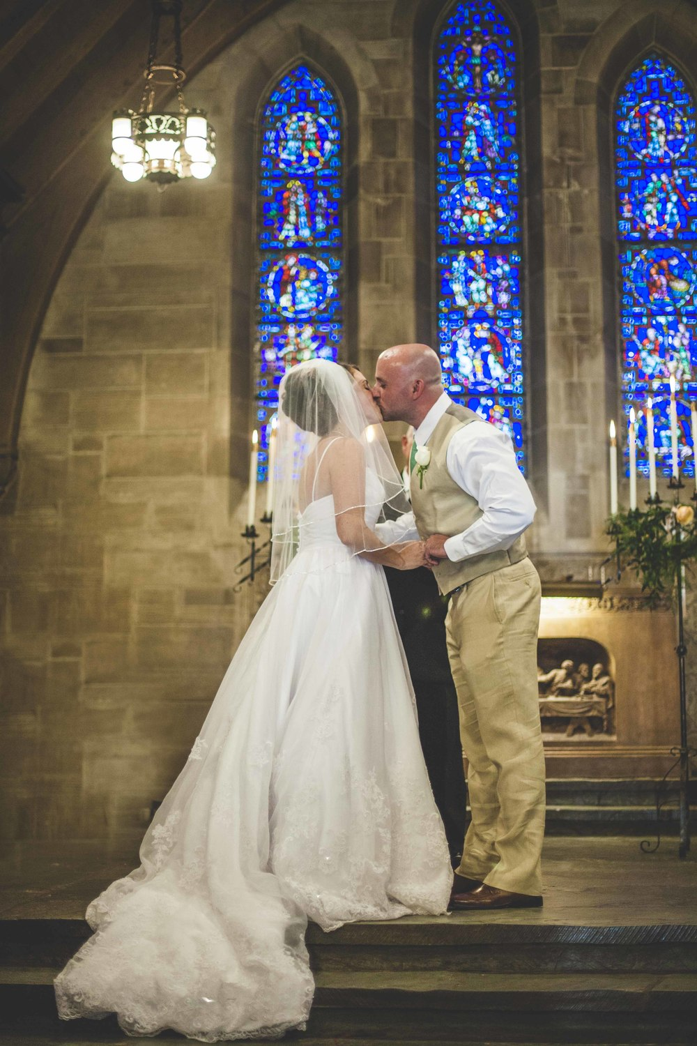 Louisville Wedding Photographers || Duncan Memorial