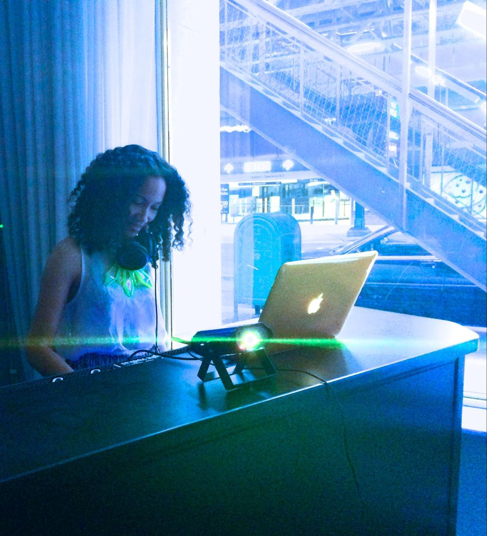 DJ M.Elle
