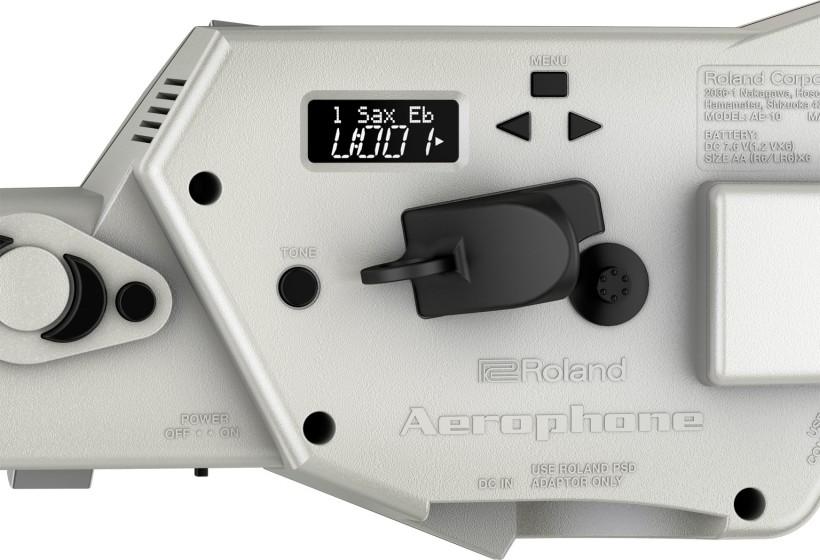 配置Roland的SuperNATURAL,提供各種帶有真實演奏感覺的薩克斯聲音。