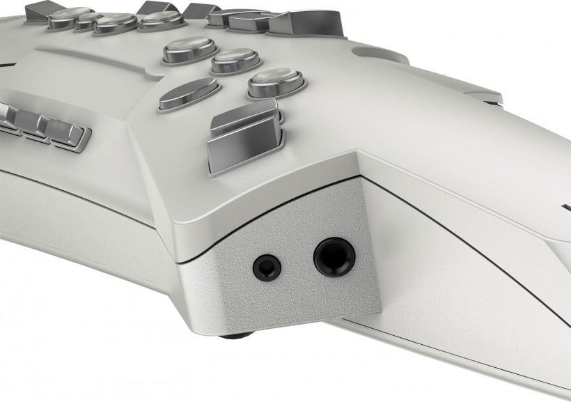 Aerophone AE-10的指法及演奏方式都是按照傳統薩克斯來製作,所以薩克斯演奏家可以直接拿起就可以上手演奏。