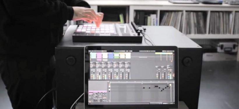 觀看  Beat Tools  的表演  :原YouTube  視頻鏈接: