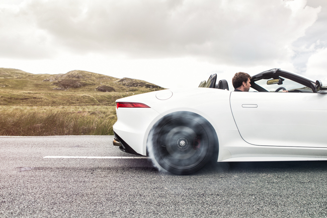 Jaguar F Type V8 Supercharged Burnout Wheelspin Smoke
