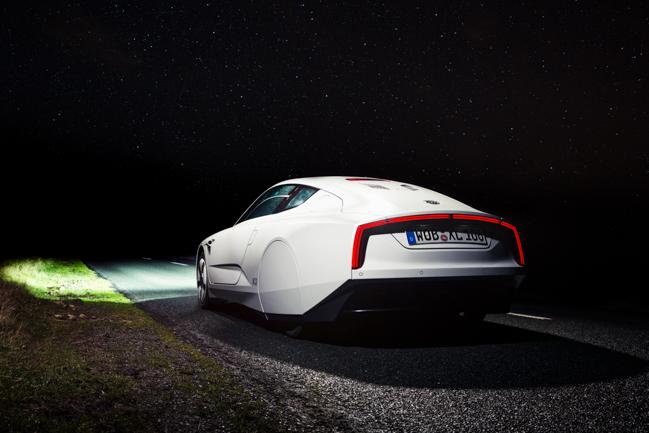Volkswagen XL1 Hybrid Diesel Fuel Efficient.jpg