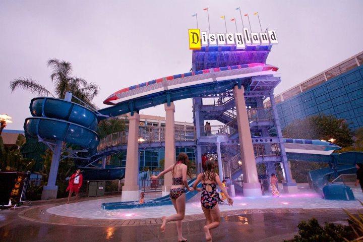 Disneyland  ®  Hotel