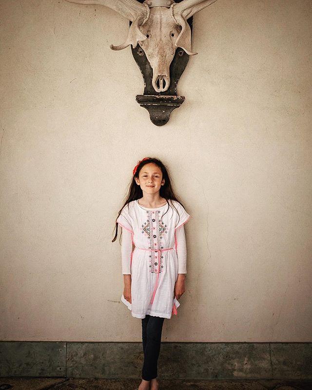 Maz and deer skull. #deer #skull #knole #knolepark