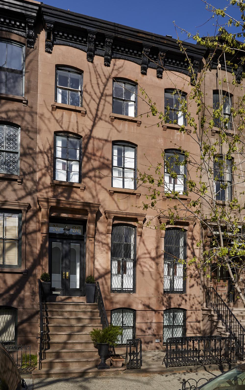 front_facade_004.jpg