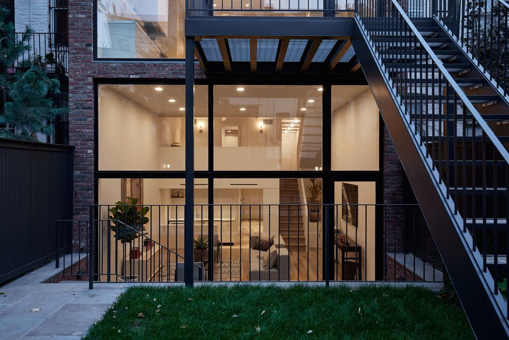 rear_facade_evening_c_077.jpg