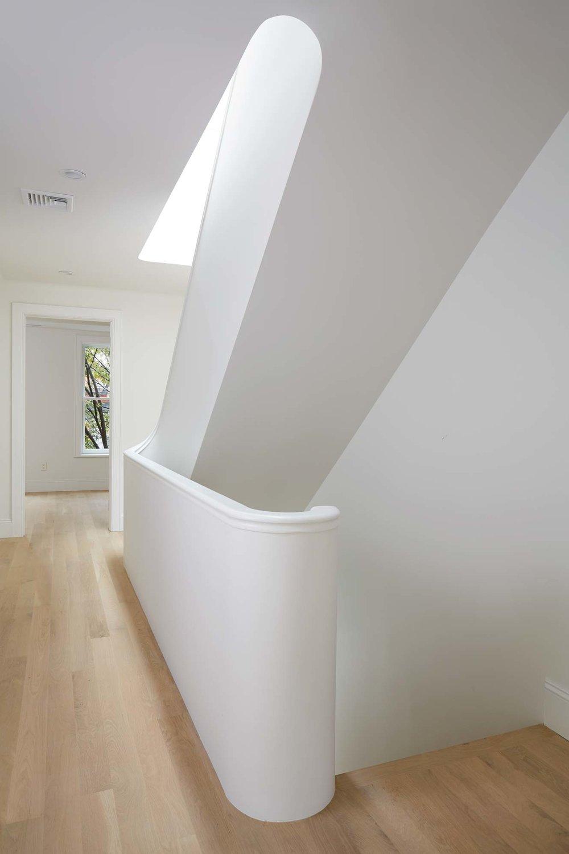2nd_floor_stairs_c_042.jpg