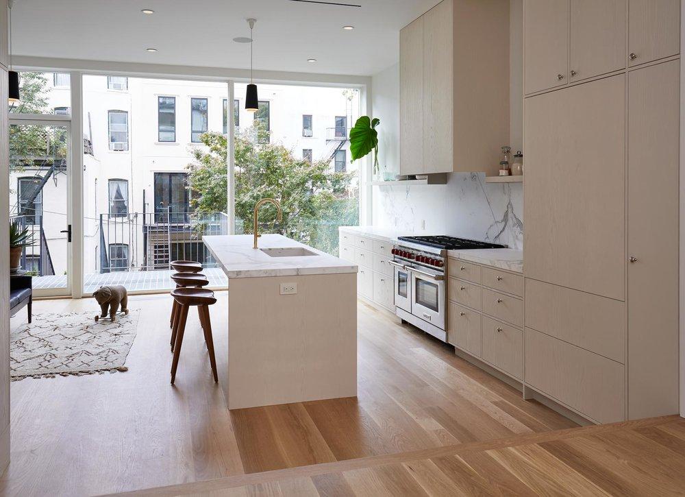 parlor_kitchen_031_1.jpg