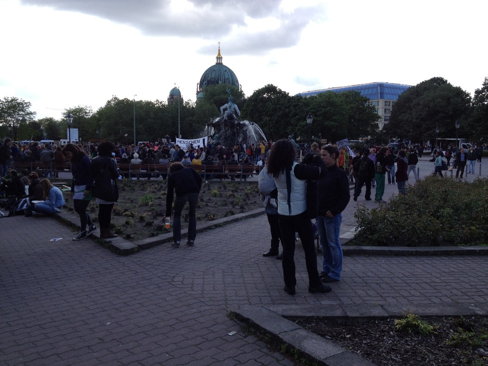 Demonstrieren für eine dienende Finanzwirtschaft #Occupy # Frühlingsmärchen