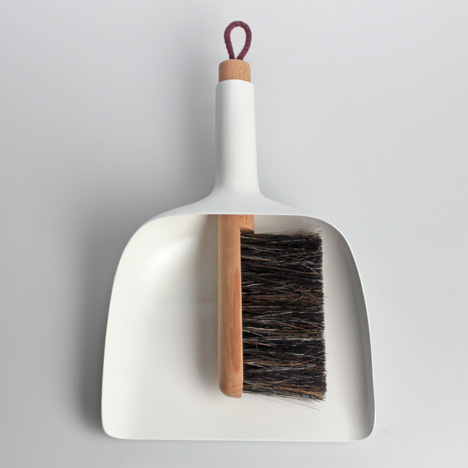 dezeen_Sweeper-and-dustpan-by-Jan-Kochanski_1.jpg