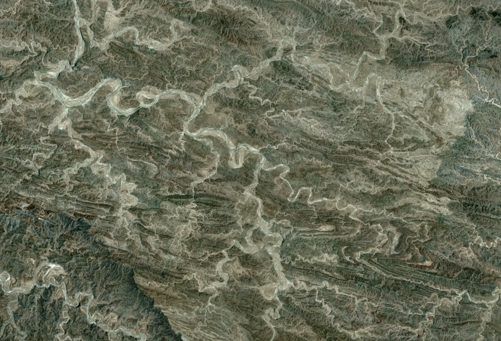 Really an awful lot of meandering and wanton ignorance of complex geological structure in this part of Pakistan. Yow. Browse around for more...really wild place. 